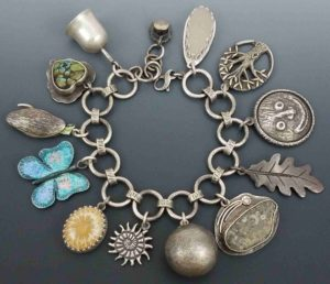 Elise Worman - A Year of Celebrations - Charm Bracelet Challenge 2019
