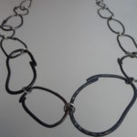 Wire link necklace