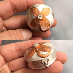 Juan Reyes, pill box, silver, box, flower, metalwork