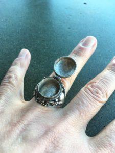 POIS_1, Poison ring, Maru Almeida, Jewelry, Jewelry smith, Jewelry making, danaca design, jewelry classes, jewelry smithing, gallery, Danaca Design Gallery, jewelry gallery